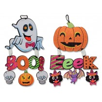 Halloween Hanging Glitter Foam Plaques with 3-Hanging Characters